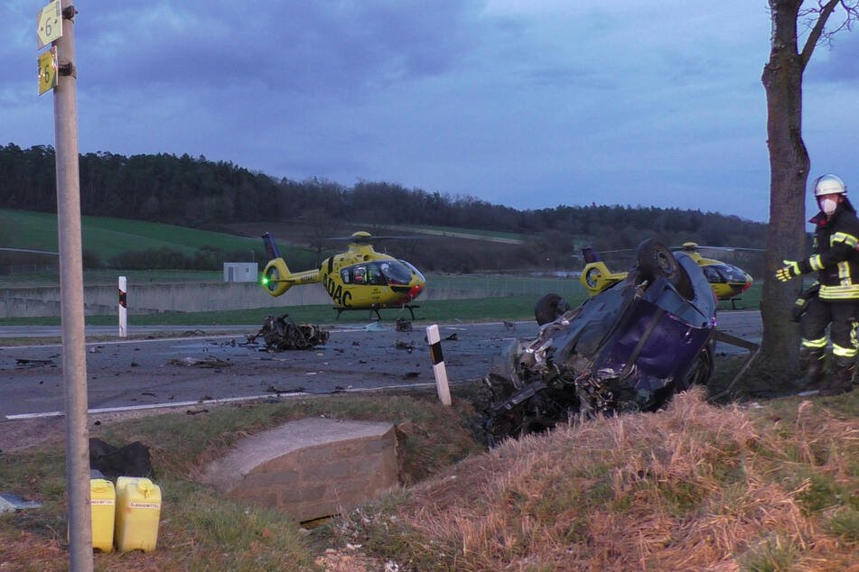 Audi kracht in Gegenverkehr: Skoda-Fahrerin (†54) hat keine Überlebenschance