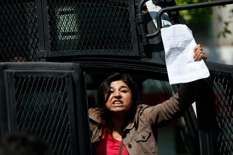 Istanbul, 2018: Eine Teilnehmerin einer Demonstration zum 1. Mai, die später von der Polizei festgenommen wurde. An diesem Tag sind Demos im Zentrum der türkischen Hauptstadt seit 2014 verboten - dem Jahr nach den regierungskritischen Gezi-Protesten.