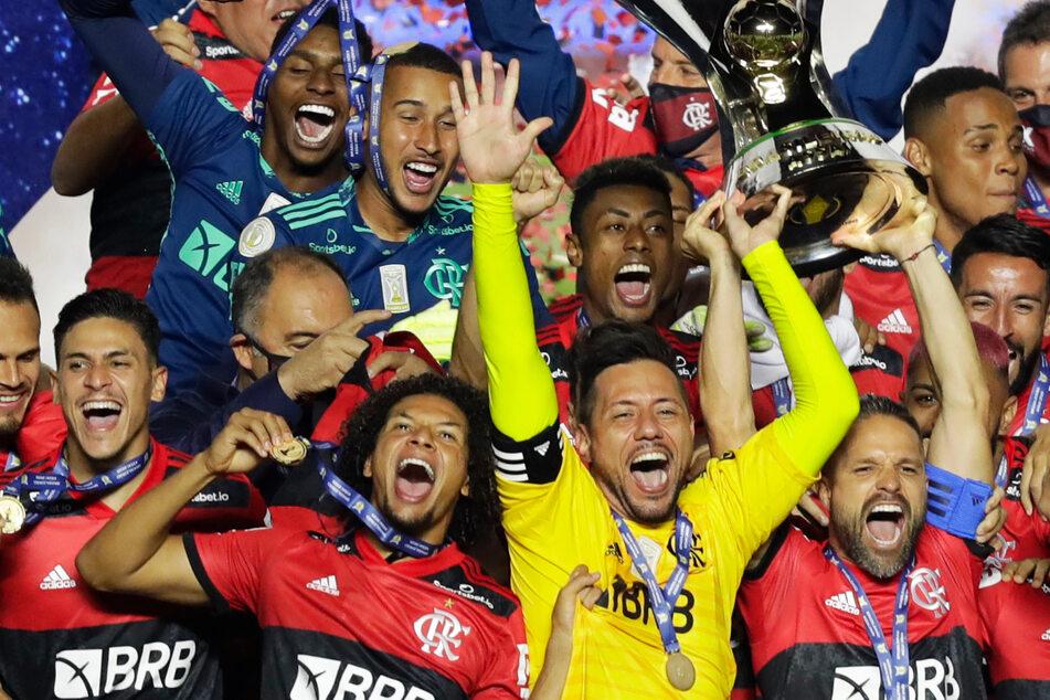 Bundesliga-Legende Diego feiert nach spannendem Finale die Meisterschaft!