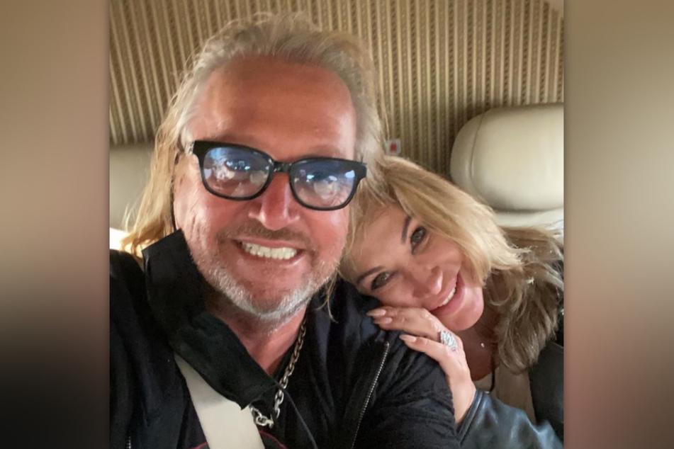 Auf der Rückreise nach Monaco strahlten Robert (57) und Carmen Geiss (55) noch, doch das änderte sich bei der Landung.