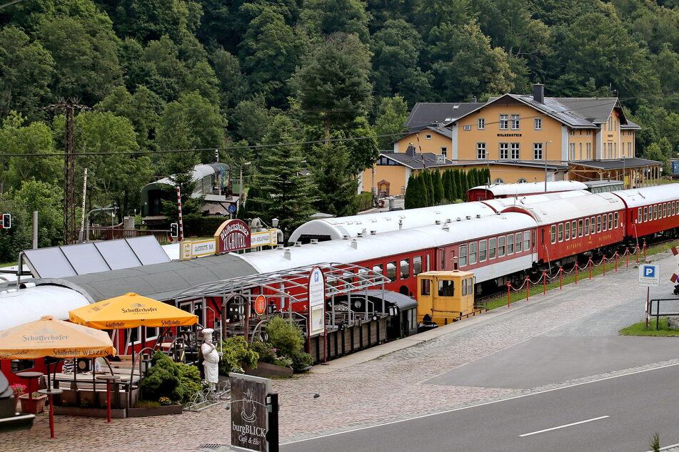 103 Modell-Loks und Wagen weg! Große Eisenbahn-Sammlung aus Wolkensteiner Zughotel geklaut