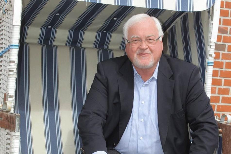 Aus Liebe zu seinem Hund nimmt Schleswig-Holsteins Ex-Ministerpräsident Peter Harry Carstensen (CDU) nicht an der Bundespräsidentenwahl teil.