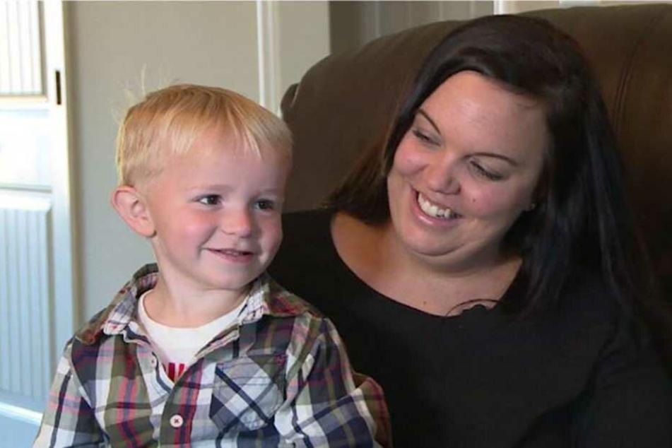 Weil ihr Sohn Cohen in seiner Not auf einen Parkplatz pullerte, muss die Mama jetzt vor Gericht.