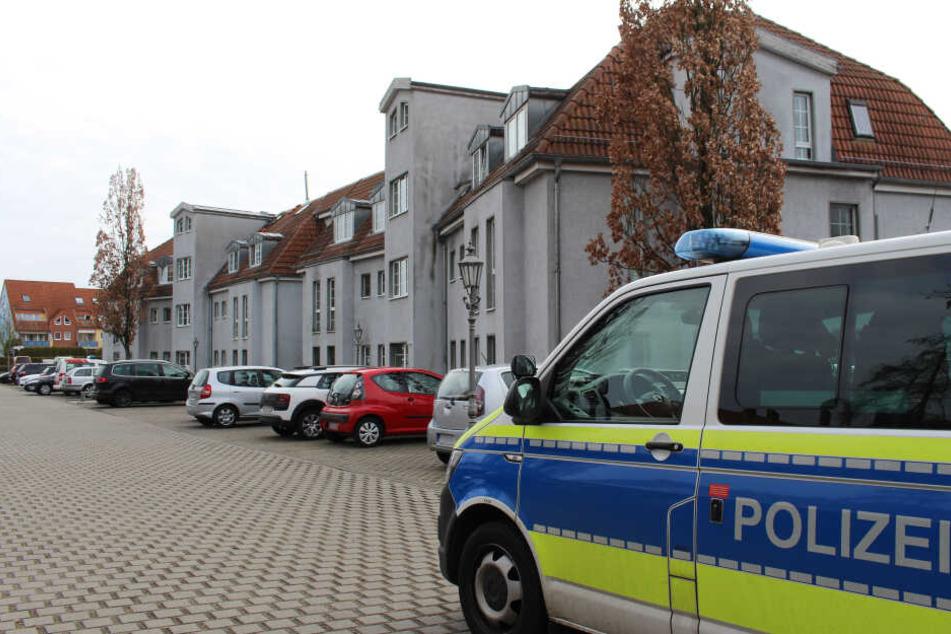 In einer Wohnung in Potsdam wurde ein Paar tot aufgefunden.