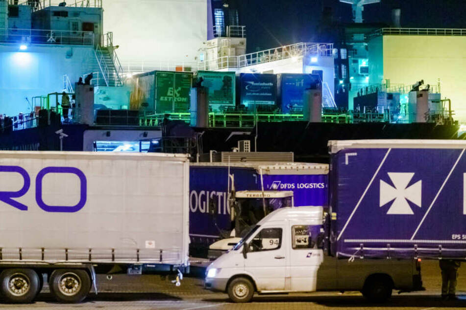 Erneut Dutzende Migranten im Kühlcontainer entdeckt