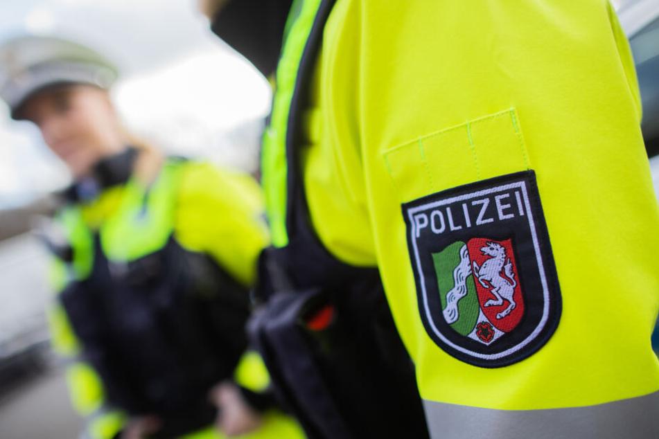 Dank der neuen Dienstkleidung sollen die Beamten der Autobahnpolizei besser gesehen werden können.