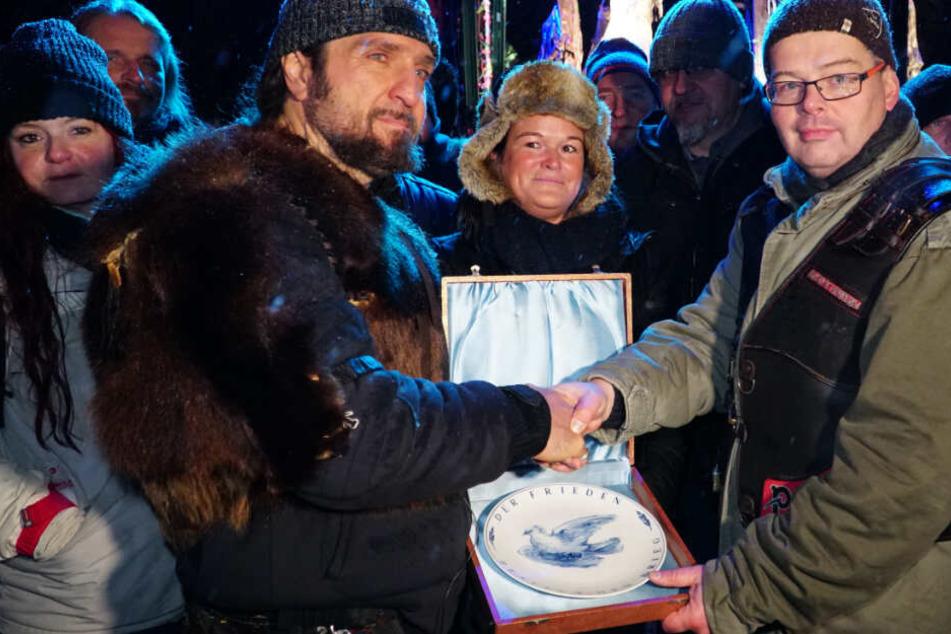 Friedenstaube im Gepäck: Sachsen-Biker feiern in Moskau mit den Nachtwölfen
