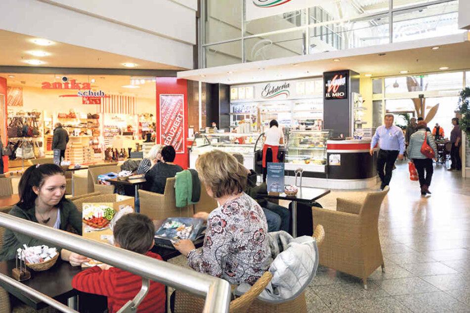 Nahtloser Übergang für das Eiscafé im KaufPark.