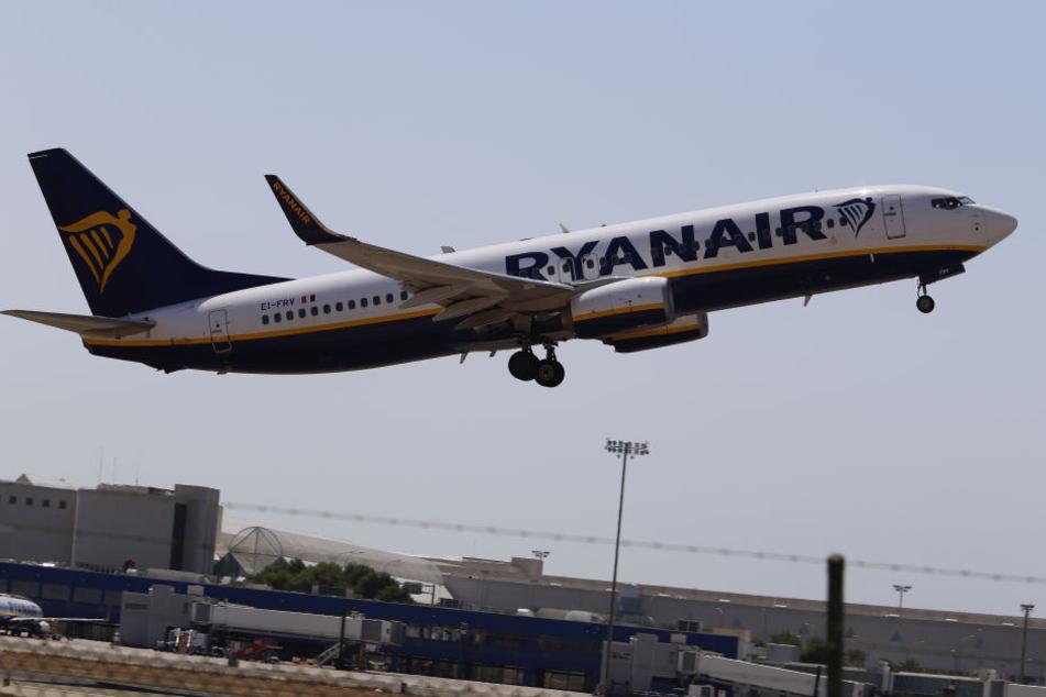 Auch deutsche Ryanair-Piloten verlangen mehr Geld (Symbolbild).