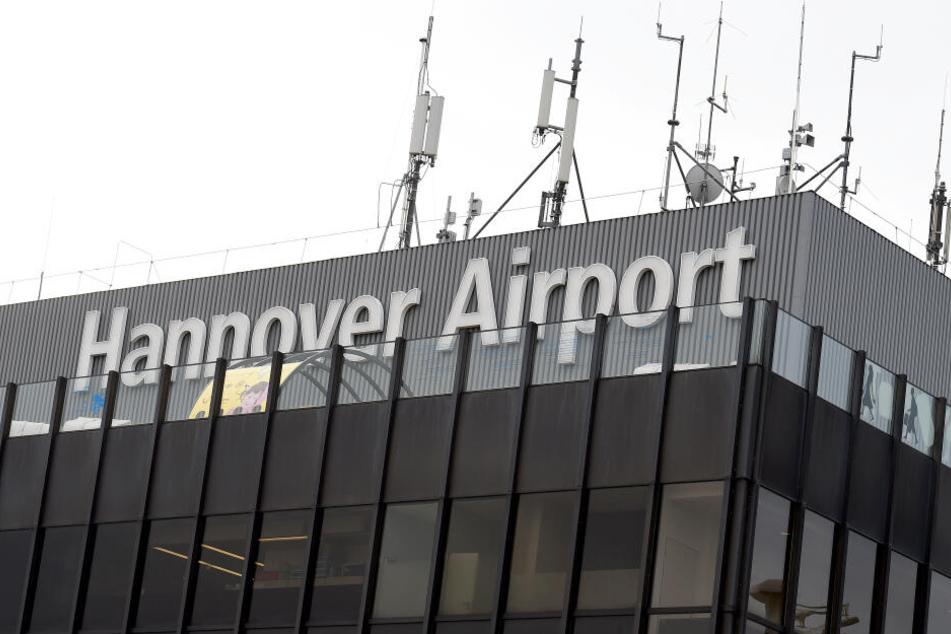 Am Flughafen Hannover bleiben am Dienstag die Maschinen stehen.