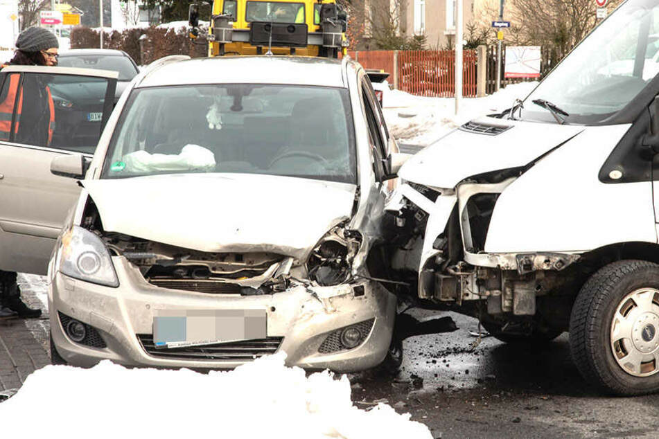Die Straße war nach einem Crash gesperrt.