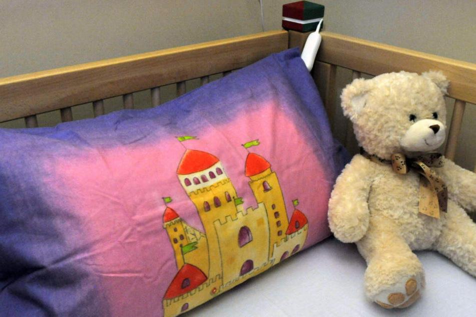 Der Deutsche Kinderhospizverein fordert mehr Geld, um mehr Personal für eine gute Pflege einsetzen zu können. (Symbolbild)