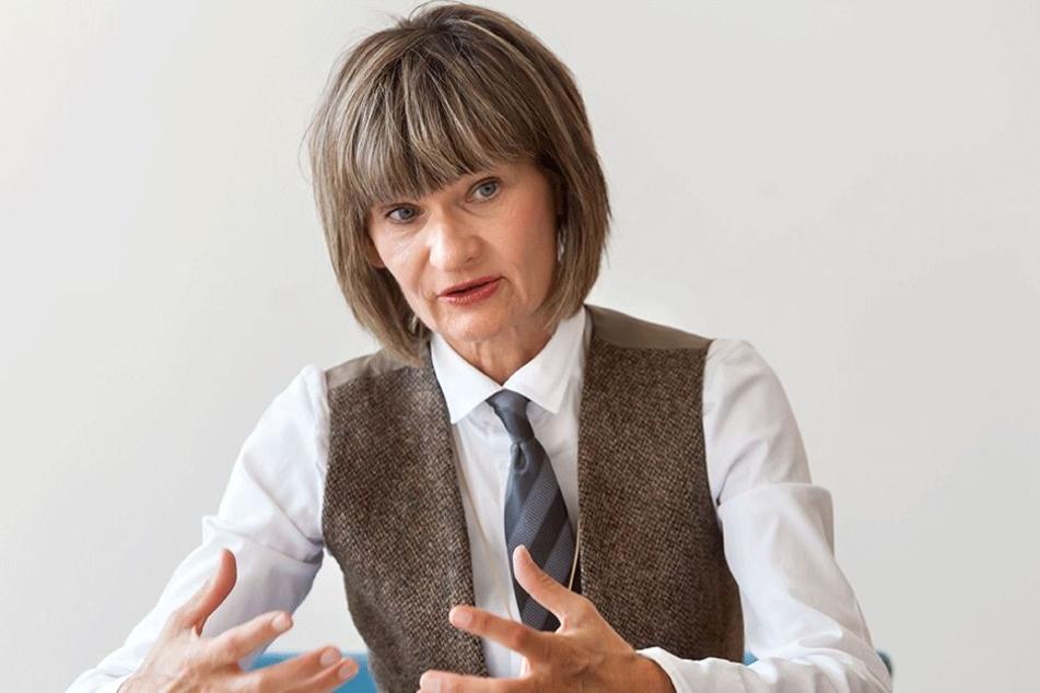 Oberbürgermeisterin Barbara Ludwig (56, SPD) ruft Chemnitzer auf, alles von Karl Marx für eine Ausstellung zur Verfügung zu stellen.