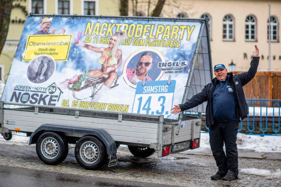 Jochen Nöske (67) freut sich auf die Nackt-Rodel-Party - und über seinen neuesten Streich gegen den Oberwiesenthaler Bürgermeister.