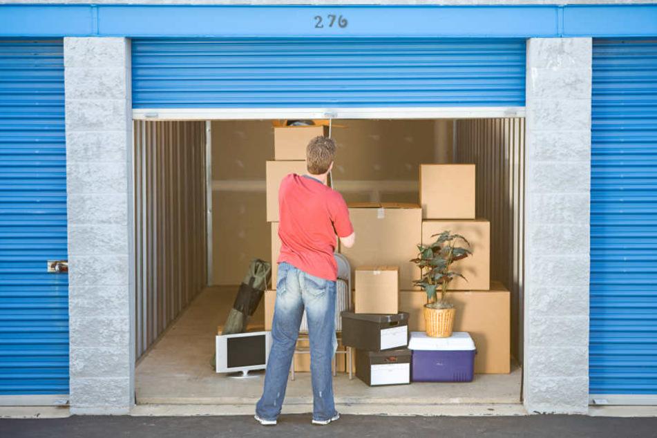 Der anonyme Käufer ersteigerte einen Lagerraum und machte dort einen Mega-Fund! (Symbolbild)