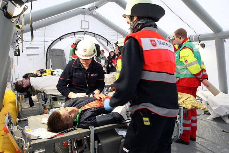 Es wurden über 200 Personen gerettet und in Sicherheit gebracht (Symboldbild).