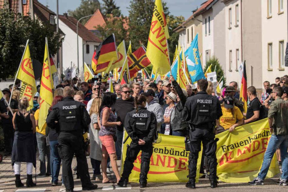 """Kandel am vergangenen Samstag: Das """"Frauenbündnis Kandel"""" demonstriert vor dem Urteil gegen Mias Mörder."""