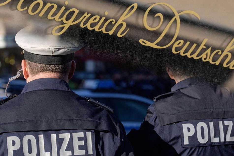 """Der Rentner - eigenen Aussagen nach """"Reichsbürger"""" - habe den Haftbefehl am Montag zerrissen - er nehme den Staat nicht ernst..."""