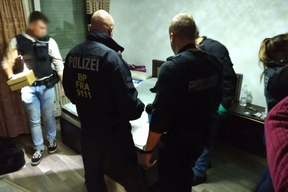Fünf Menschen von Afghanistan nach Deutschland geschleust? Durchsuchung der Bundespolizei
