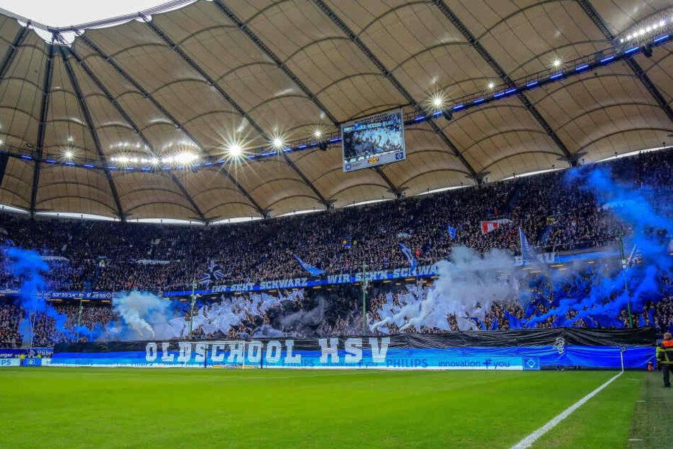 8. Februar: Der DFB erlaubte dem Hamburger SV beim Heimspiel gegen Karlsruhe das Abbrennen von Pyrotechnik. Dieses Modell findet beim FC Erzgebirge Anklang.
