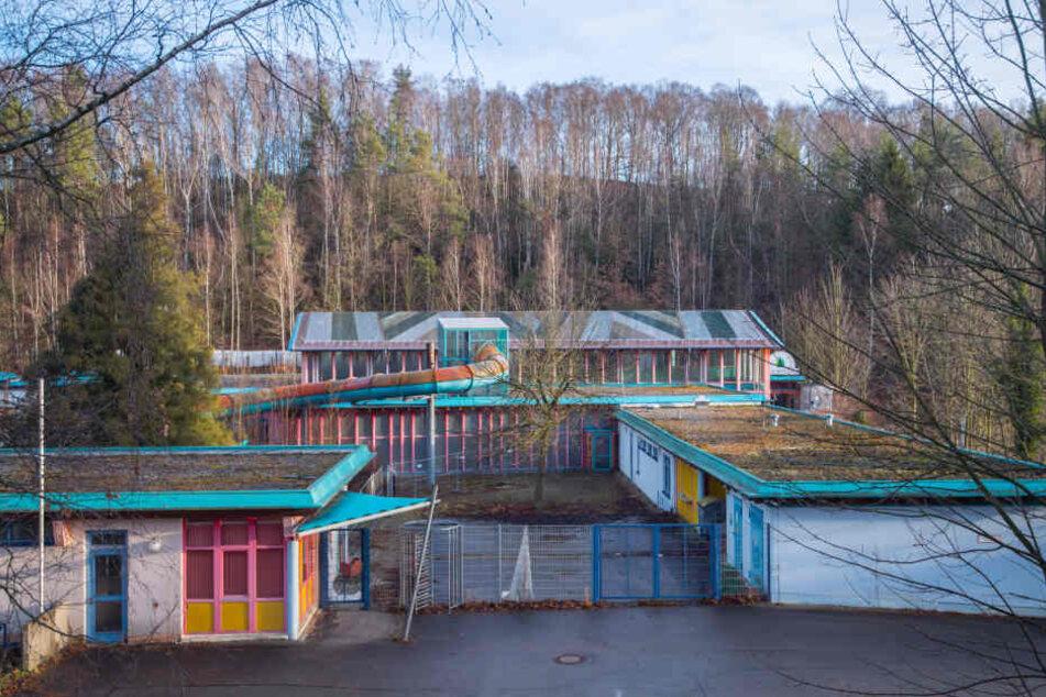 Das ehemalige Erzgebirgsbad in Thalheim soll Stück für Stück umgebaut werden.