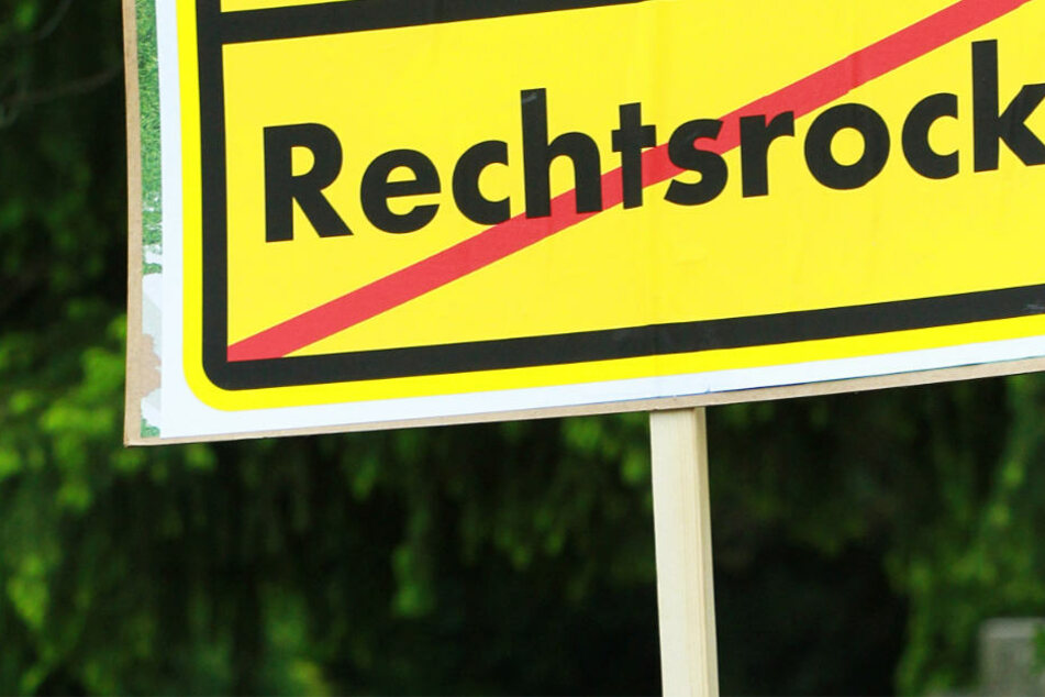 Gegen den Auftritt der rechtsradikalen Bands soll eine Untersagungsverfügung erlassen werden (Symbolbild).