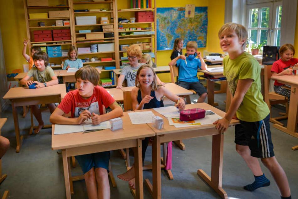 Ein Blick in den Unterricht der Schule, der häufig auch im Freien stattfindet.