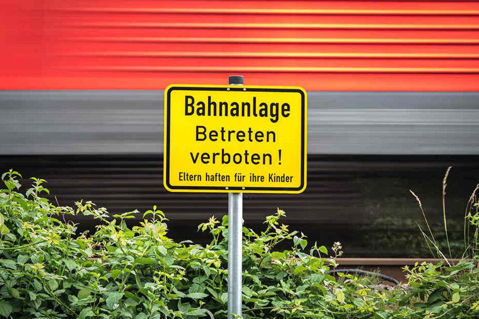 Auf Bahngleisen haben Personen nichts zu suchen!