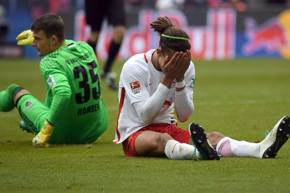 Auch die Spieler waren am Ende der Partei wenig zufrieden. Yussuf Poulsen ärgert sich über eine vergebene Chance.