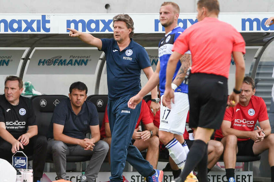 Trainer Jeff Saibene (49) soll bleiben, Spieler Christoph Hemlein (27/Nr. 17) darf hingegen gehen.