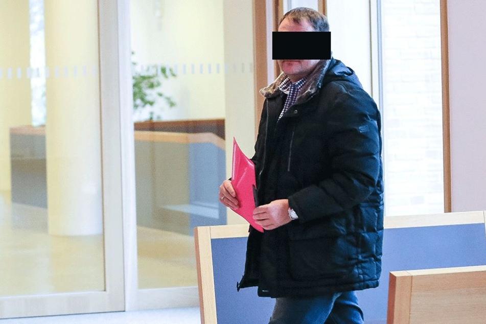 DJ Sven G. (47) musste am Montag vorm Amtsrichter antreten.
