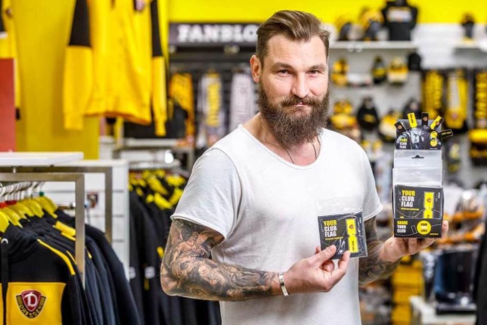 Michael Barsch (41) hat die ClubFlag für Dynamo erfunden - sie ist im Fanshop im Stadion und online erhältlich.