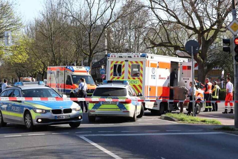 Der Unfall geschah im Bereich einer Kreuzung in Neuss.