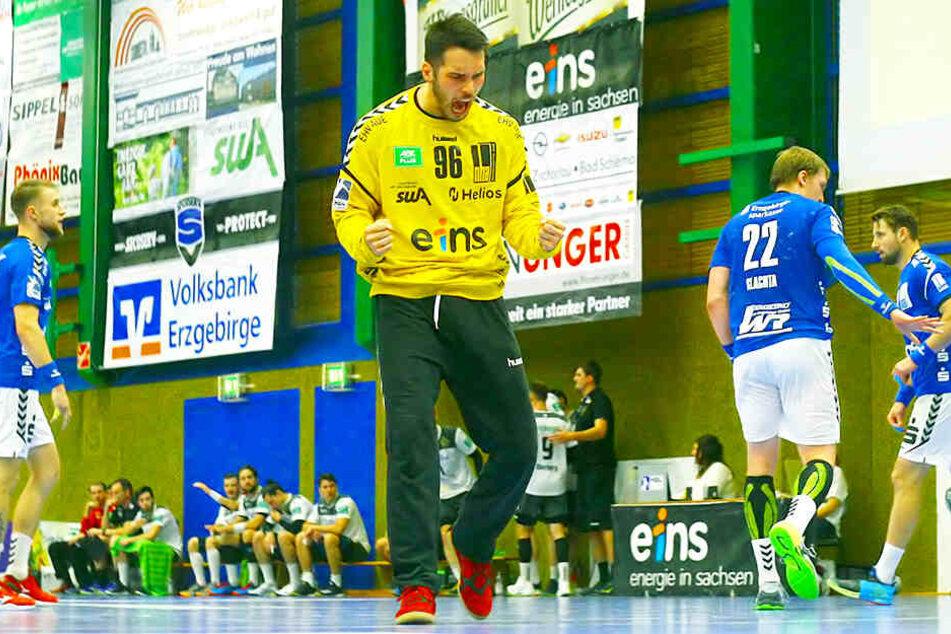 Erik Töpfer im Aue-Tor war der Mann des Spiels.