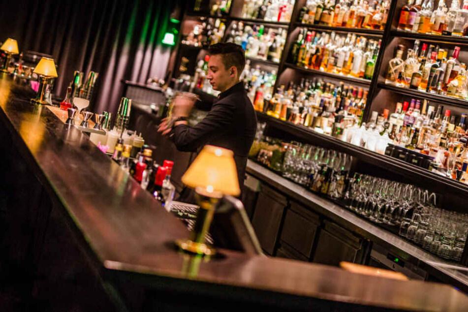 Wie aufregend: Cocktails zwei Stockwerke unter der Erde trinken