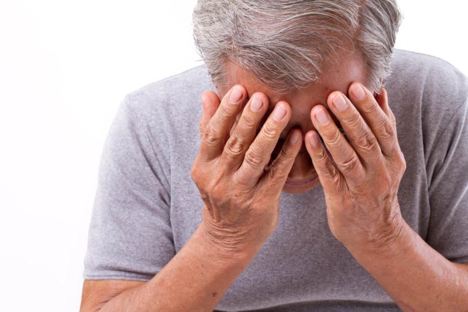 Dem 82-jährigen Rentner wurde vermutlich mit Pfefferspray in die Augen gesprüht, nachdem er kein Geld herausgab. (Symbolbild)