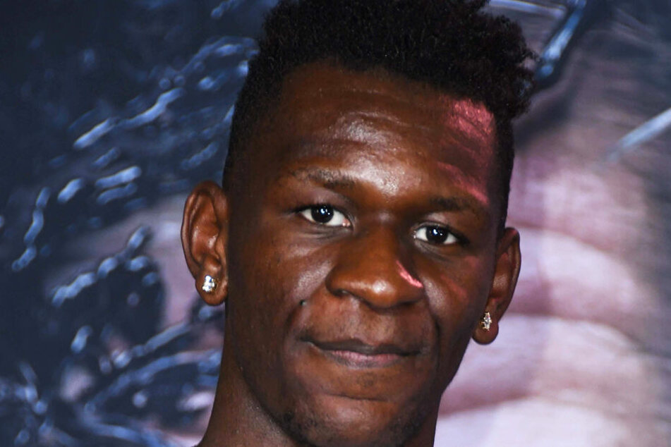 Tarsis' älterer Bruder Isaac Bonga spielt Basketball in der NBA bei den Los Angeles Lakers.
