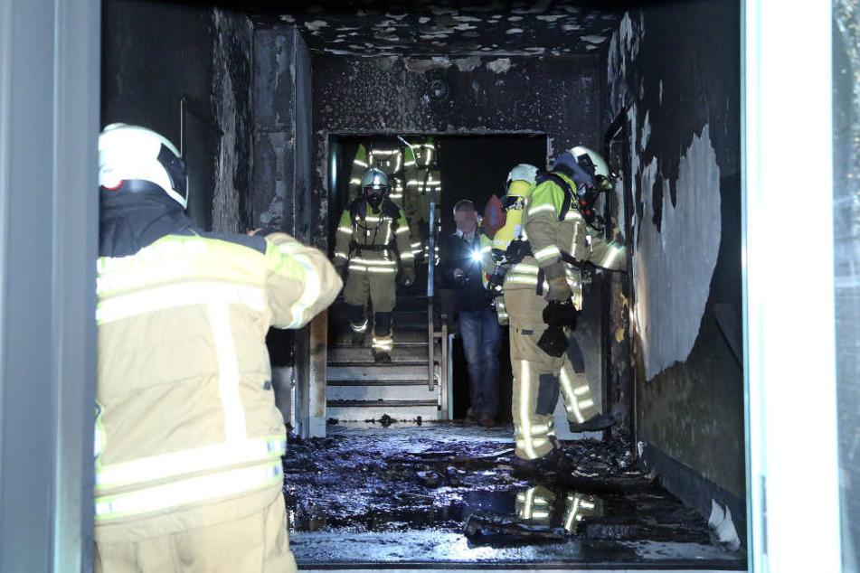 Mieter in Angst: Immer wieder brennt es in der Finsterwalder Straße. So auch hier in einem Treppenhaus im November.