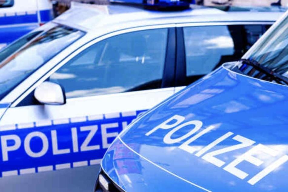 Die Polizei sicherte Spuren am Tatort. (Symbolbild)