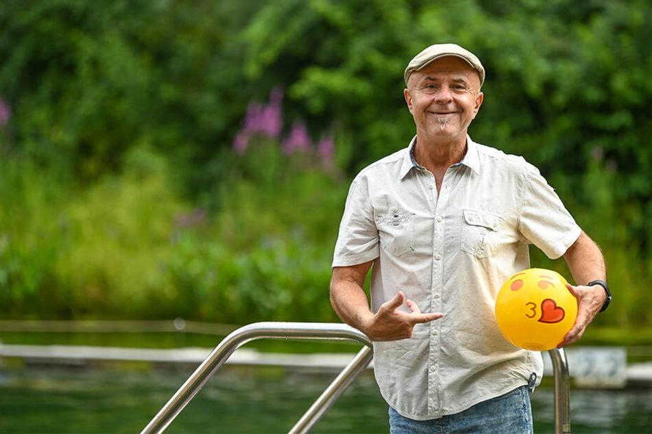 Badchef Uwe Kloß (60) hält mit viel Humor die Strippen zusammen.