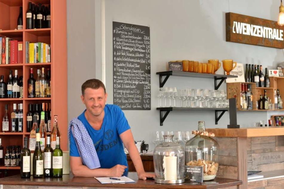 """Jens Pietzonka (44) in seiner """"Weinzentrale"""". Er feilt an einem neuen Küchenkonzept."""