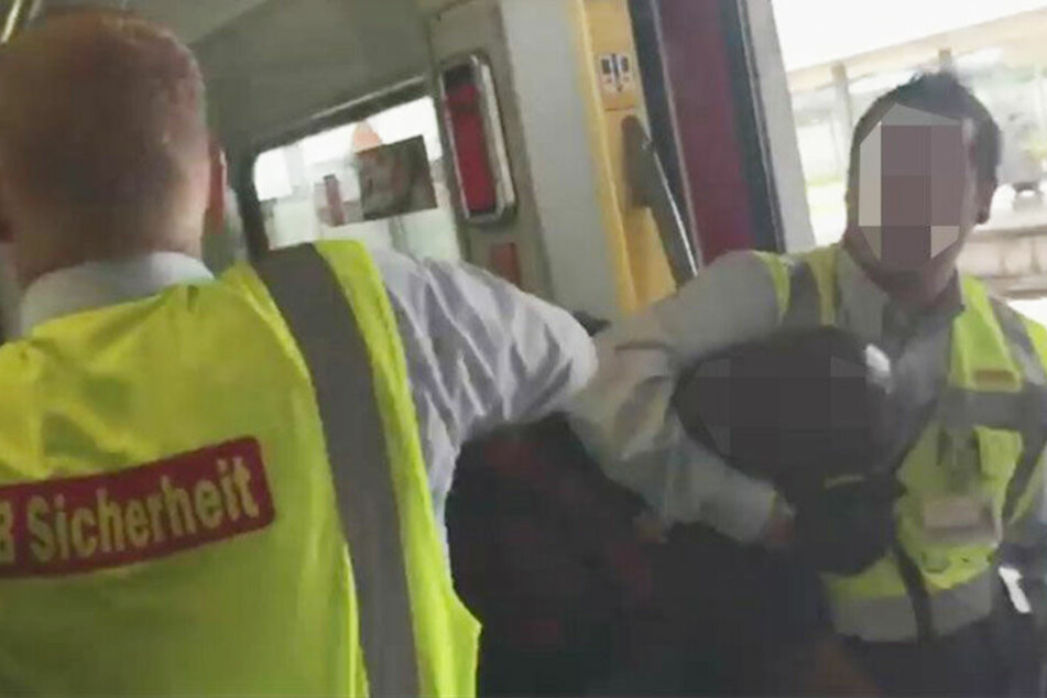 Video sorgt für heftige Diskussionen: Schwarzfahrer wird brutal aus S-Bahn gezerrt