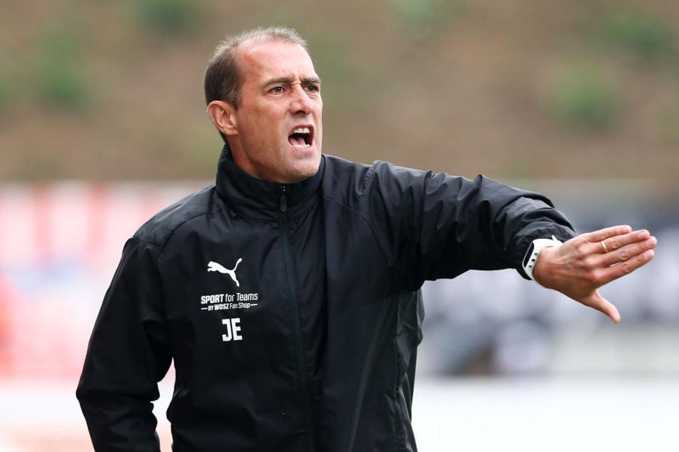 FSV-Coach Joe Enochs will heute den ersten Auswärtssieg.