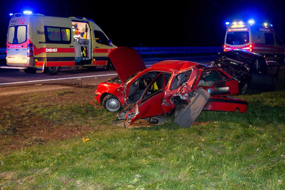 Heftiger Crash auf A4: Zwei Schwerverletzte