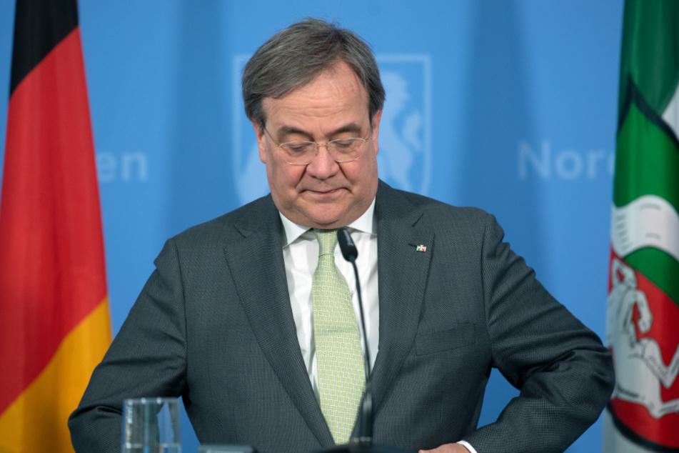 Nordrhein-Westfalens Ministerpräsident Armin Laschet (59, CDU) will keine Maskenpflicht, doch Münster interessiert das nicht.