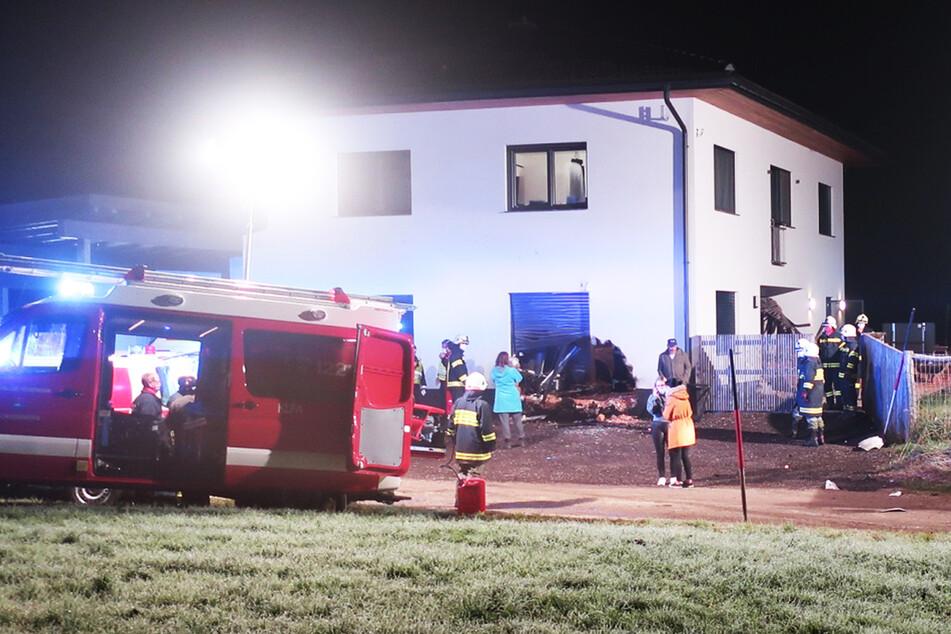 Das Einfamilienhaus nahm bei dem nächtlichen Unglück großen Schaden.