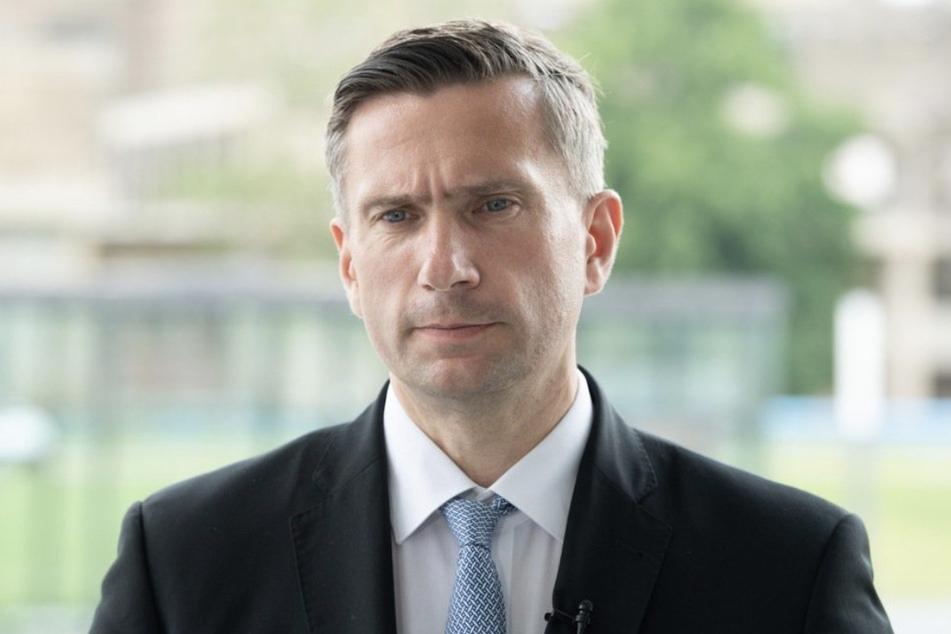 Martin Dulig (47) dankte dem Unternehmen Beiersdorf für das Vertrauen in den Wirtschaftsstandort Leipzig.
