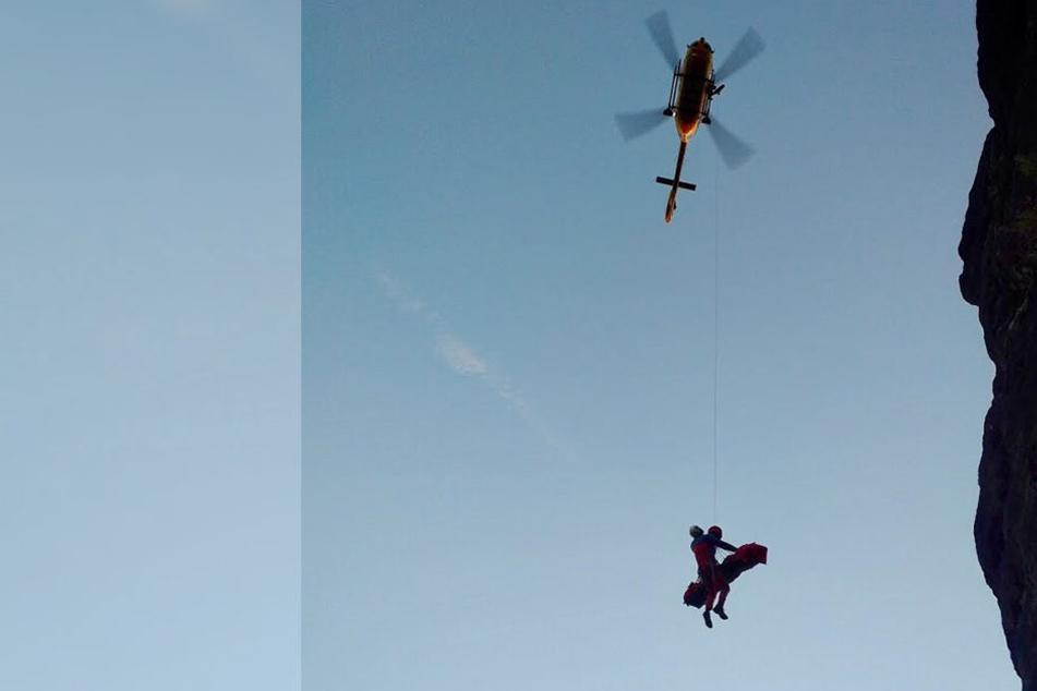 """Mit dem Rettungshubschrauber """"Christoph 62"""" wurde die Frau ins Krankenhaus geflogen."""