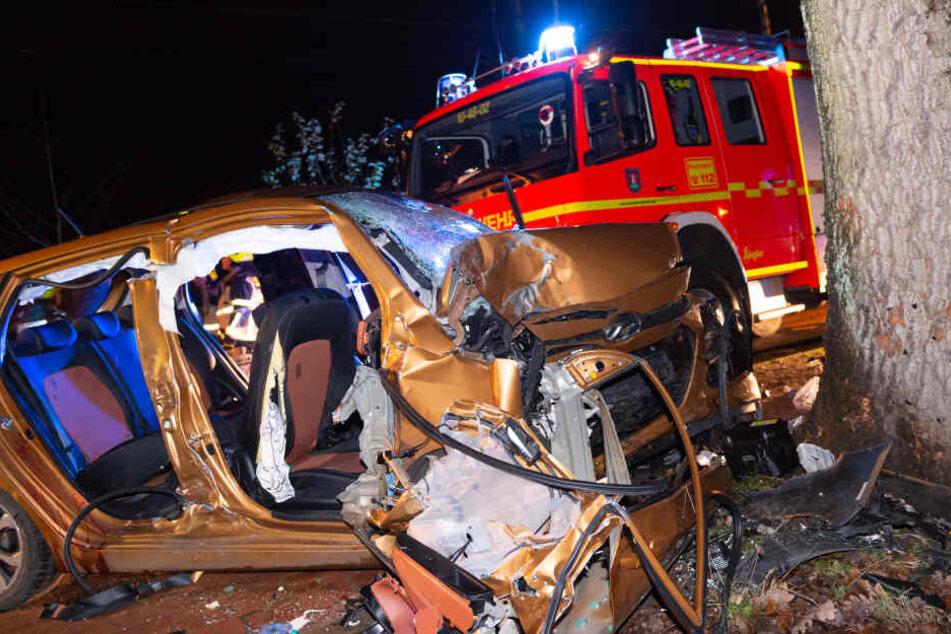 Horror-Unfall! 19-Jähriger tot, drei Teenager in Lebensgefahr