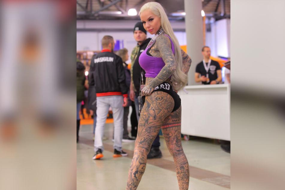 Stellte sich am Sonnabend auch dem Tattoo-Contest: Model GymGamerGirl (24) aus Berlin.